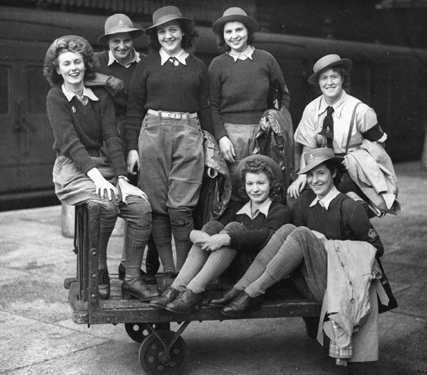 land girls world war II